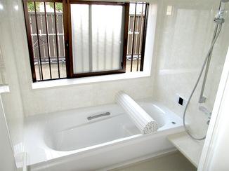バスルームリフォーム バリアフリー仕様で快適な浴室