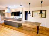 キッチンリフォーム料理中もお子様の様子が確認できる、広々空間でお洒落なキッチン