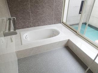 バスルームリフォーム モダンな和の雰囲気と最新技術を両立させた二世帯住宅